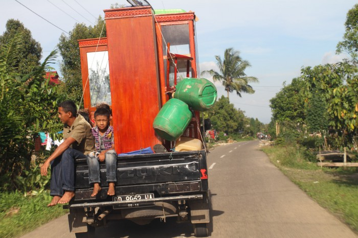 Moving family, Sulawesi